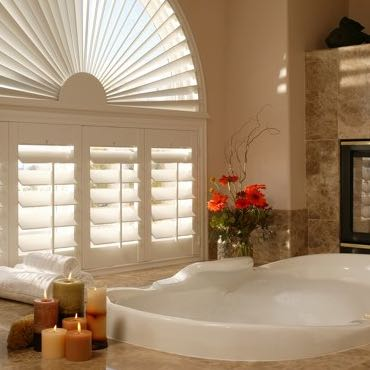 Fort Myers bathroom plantation shutters.