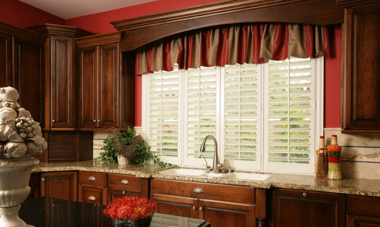 Fort Myers kitchen shutter and cornice valance