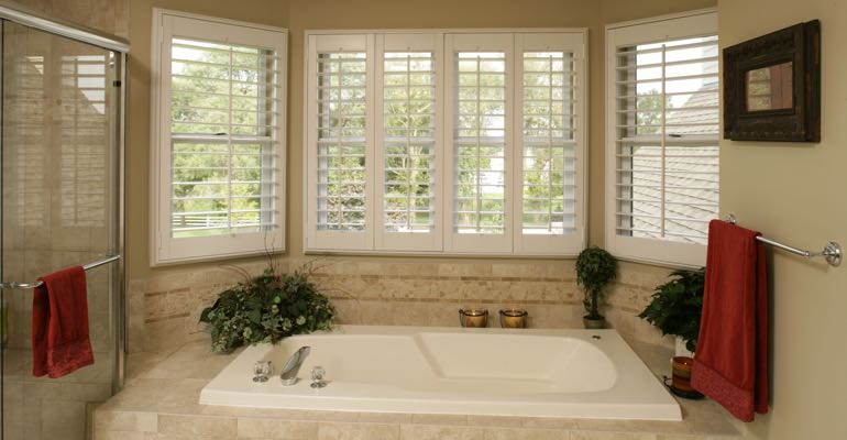 Plantation shutters in Fort Myers bathroom.