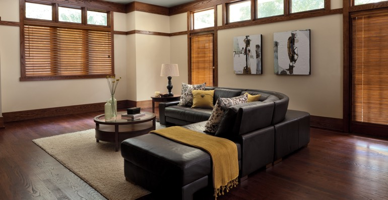 Fort Myers hardwood floor and blinds