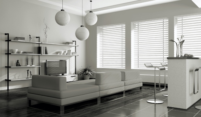 white blinds in Fort Myers